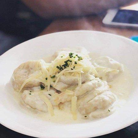 Cocineria con platos toque gourmet