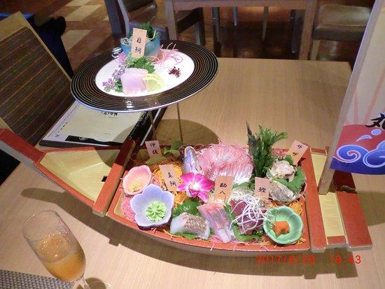 千葉県, 館山のホテル「千里の風」さんでの夕食=二段刺し盛り