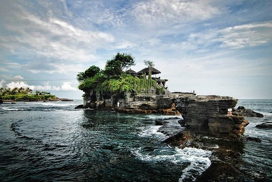 Tanah Lot Temple and Uluwatu Temple...