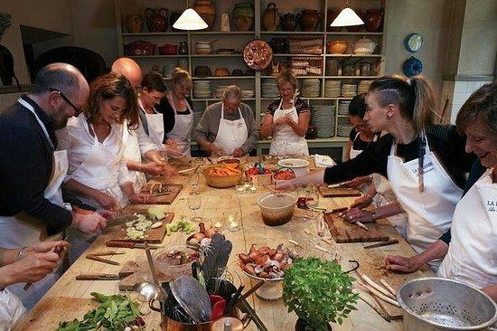 Kooklessen en traditionele gerechten ...
