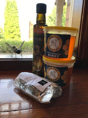 Dumbalk, Australia: Goodies from Blue Tree Honey Farm