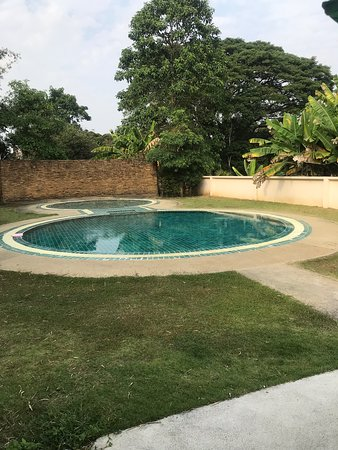 Peaceful and large salt water pool to relax in