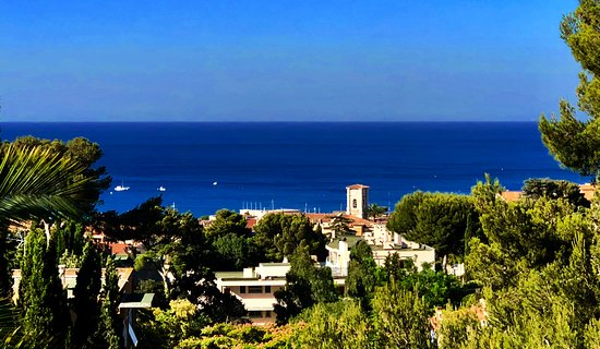The Address Cassis
