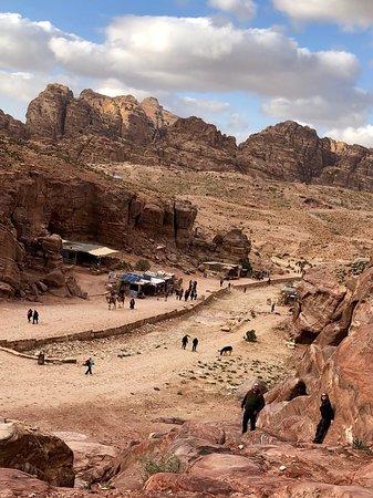 Dejlig tæt på Petra og god til prisen