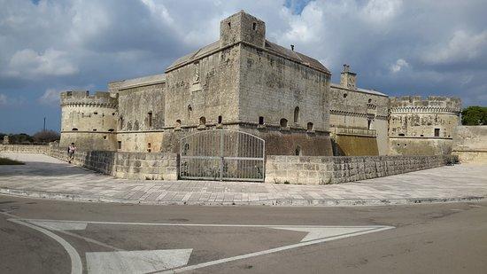 Acaia, Italie: Vista di parte delle mura
