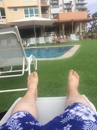 Queen Kapiolani Hotel: My sexy legs by the pool