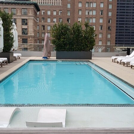 Boutique hotel in downtown Houston. Fresh vibe accommodating staff, come to Houston