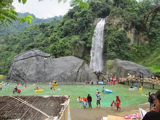 Bidadari Waterfall