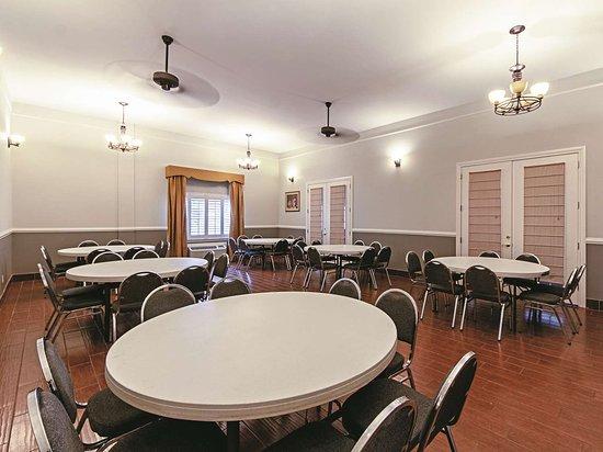 อาลาโม, เท็กซัส: Meeting room