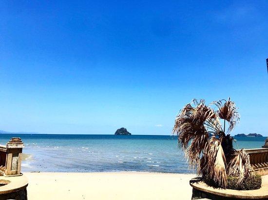 Pantai Teluk Yu