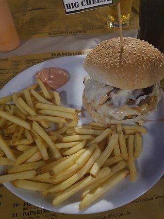 Men foto di hangar burger osnago tripadvisor for Centro arredamento osnago