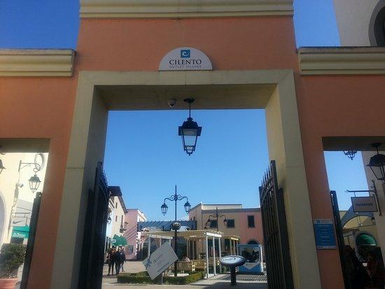 Cilento outlet village