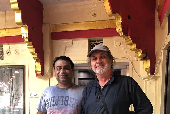 Kanha Paying Guest House: Rahul and me last October.