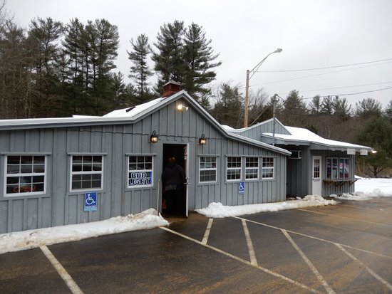 Barre, MA: The front entry at High Tide Seafood