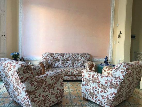 Hostal Colonial Asturias, hoteles en La Habana
