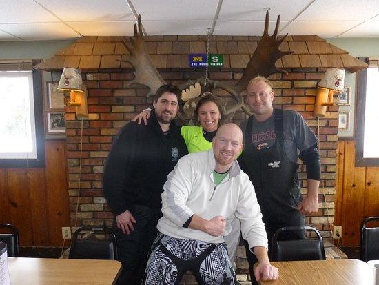 เพลล์สตัน, มิชิแกน: First snowmobile trip to Moosejaw 2013. Patrick Watts, Nick Hedstrom, Kasia L. and Jeff Blocker ( RIP Jeff Blocker 1977-2014)