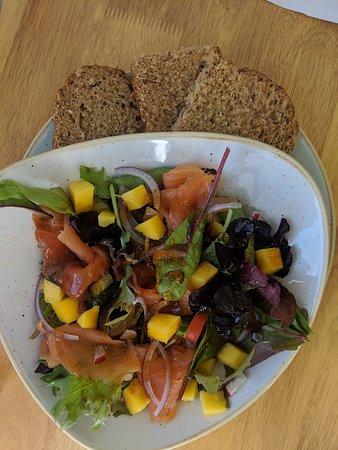 Brora, UK: Salmon and Mango Salad