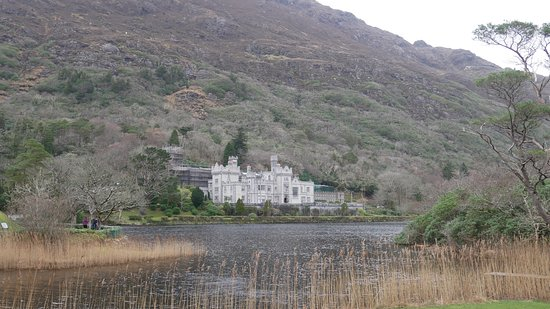 Фотография Connemara, Kylemore Abbey or Connemara National Park day tour from Galway-Guided