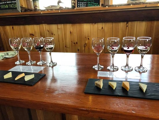 Branchport, NY: Wine and cheese pairing.