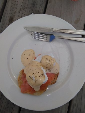 Woodville, New Zealand: Eggs Benny with Salmon