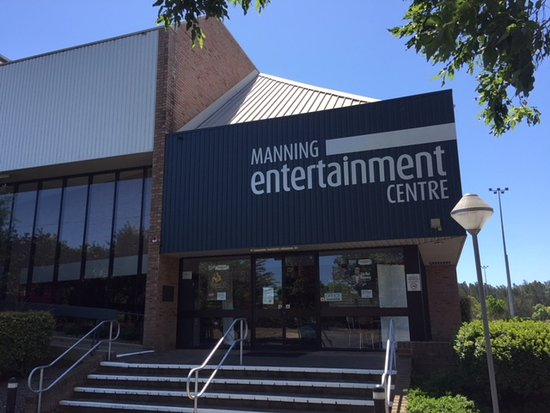 Taree, Australia: Entrance to the Manning Entertainment Centre (the MEC).