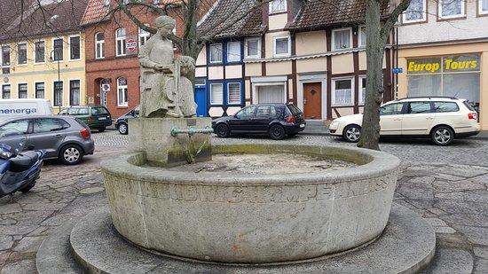 """Springbrunnen """"Die Spinnerin"""""""