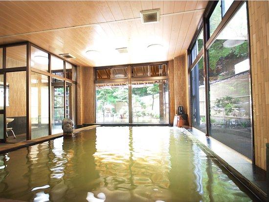 Sanyoso: 大浴場 弘法の湯(ナトリウム・カルシウムー塩化物温泉)