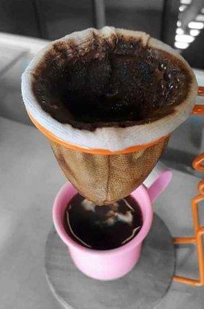 Da Pa Virada Gelateria Guedala: Cafezim coadim pra começar a semana pilhadim! ☕️😍 ⠀⠀⠀⠀⠀⠀⠀⠀⠀ 📸 @ lookingto_o