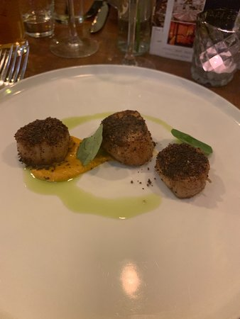 Scallops with carrot puree and black pudding & bacon Crumb