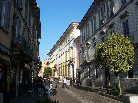 Palazzo Barni
