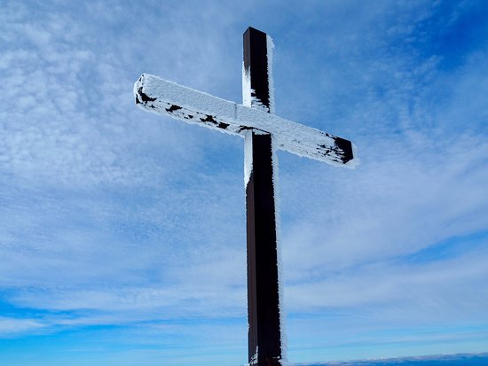 Les Estables, France: La Croix au sommet du Mont Mézenc