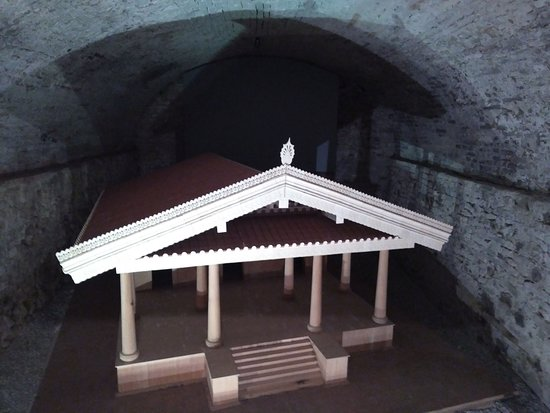 Peccioli, Italia: The wooden model of the Ortaglia sanctuary