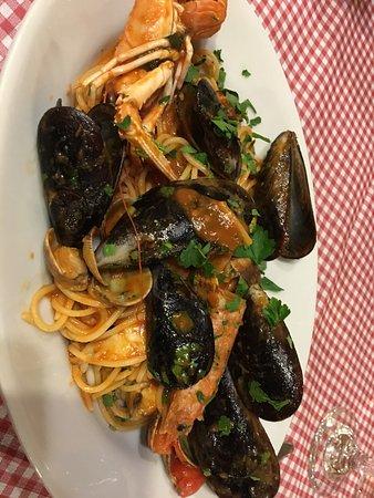 Seafood spagheti