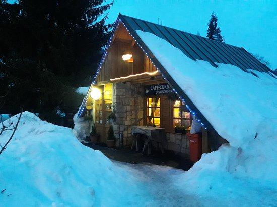Albrechtice v Jizerských, جمهورية التشيك: A sweetshop / pub / café Cukrárna U Voborníků in Albrechtice v Jizerských horách (Czech Republic). A cozy, genuine place. Ideal for a meal, dessert or a beer after skiing.