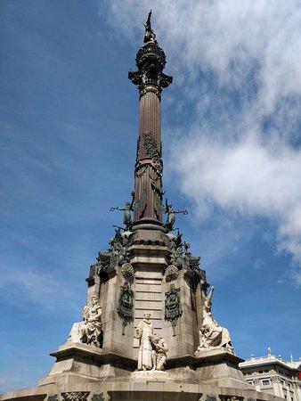 Monumento à Cristóvão Colombo na Plaza de colon