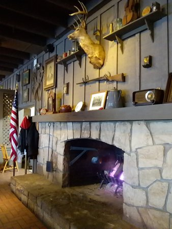 Barboursville, WV: I'm new to Cracker Barrel so I loved the decor!!