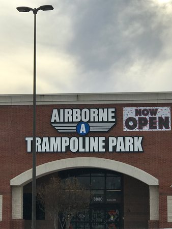 Valokuva: Airborne Trampoline Park - DFW