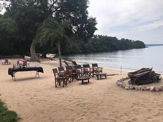 Rubondo Island, Tanzania: Campfire before dinner on the beach