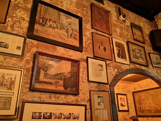 Napoleon House Bar & Cafe: After coming here for almost 29 years, the Napoleon House is even better!!