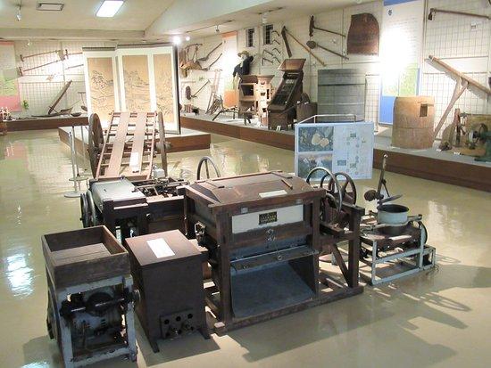 Yame, Japonia: 2階部分 民俗生活用具等の展示品
