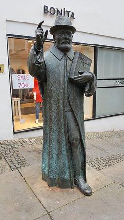 Herzog-Julius-Denkmal