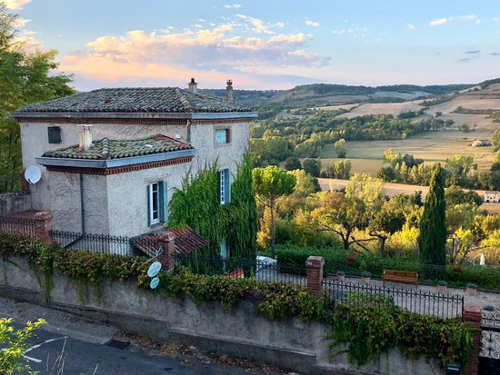 Le Chevalier Noir is a great place to stay in Cordes sur Ciel.