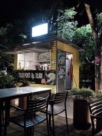 Ini stant kami BABTHIES ada di @silicon food park Nusa dua , Dateng ya kalo mampir di Nusa dua.