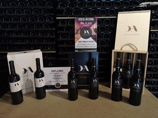 Navas de Oro, Spanyol: Nuestros vinos:  Las dos Antiguas Origen. Las dos Antiguas Selección. Las dos Antiguas Prestigio.