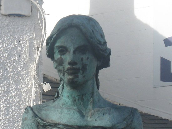 Statue of Anne Devlin