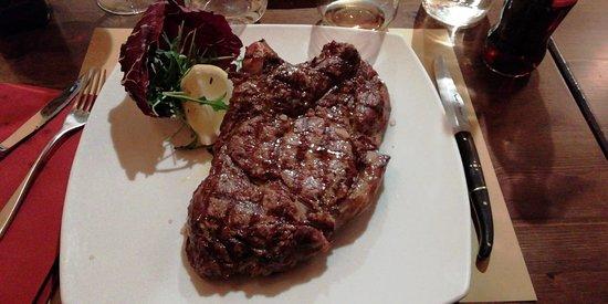 Arsoli, อิตาลี: Bistecca di Angus da 800gr...e giù!