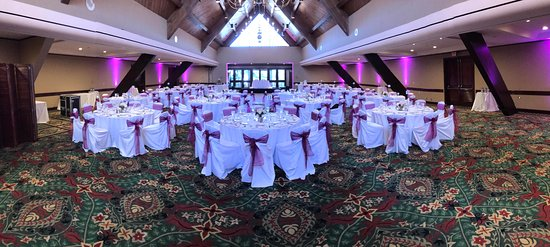 Catamaran Resort Hotel and Spa: The beautiful Kon Tiki Room set up for a wedding. Vibrant Purple LED lights provided by Becks Entertainment