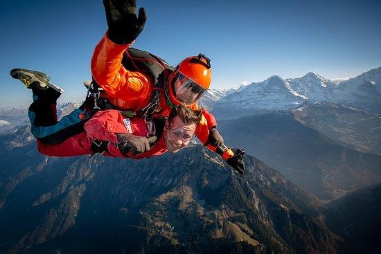 Parachutisme en hélicoptère à...