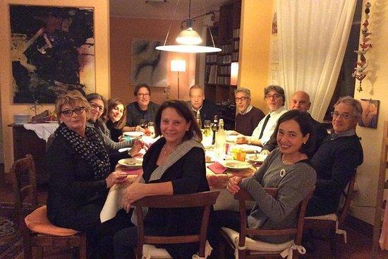 Cenar con los lugareños en la azotea...