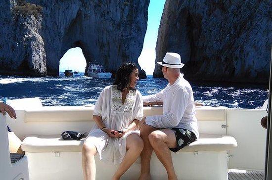 CLONE OF 2 Tour privato in barca di